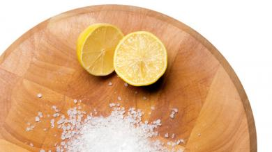 How to clean a chopping board  - Cleaning Tips